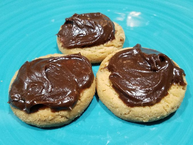 Chocolate Peanut Butter Spread on butter cookies